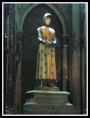 Statue of Joan of Arc that at the cathedral at Reims