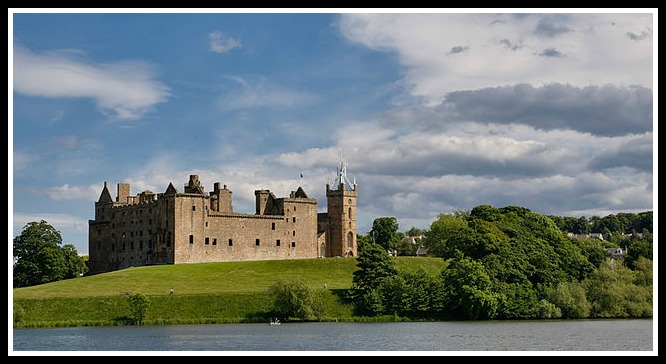 640px-Linlithgow_Palace by Alex Sanz flickr