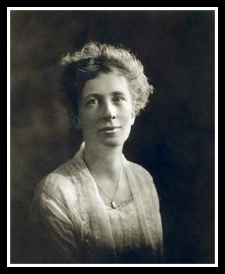 Lillian Gilbreth, circa 1920s, Frank and Lillian Gilbreth papers, MSP 7, Box 126, Folder 4, Courtesy Archives and Special Collections, Purdue University Libraries